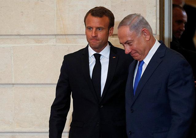 نتنياهو خلال زيارته إلى باريس