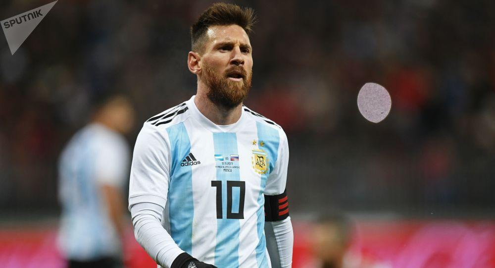 لاعب كرة القدم الأرجنتيني ليونيل ميسي، براتب 111 مليون دولار