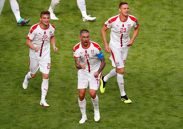 ألكساندر كولاروف يحزر الهدف الأول لصربيا في مرمى كوستاريكا