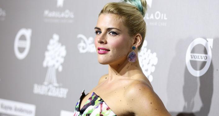 الممثلة الأمريكية بيزي فيليبس (Busy Philipps)