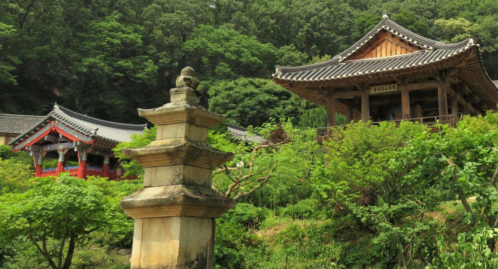 معبد بوذي Buseoksa في كوريا الجنوبية