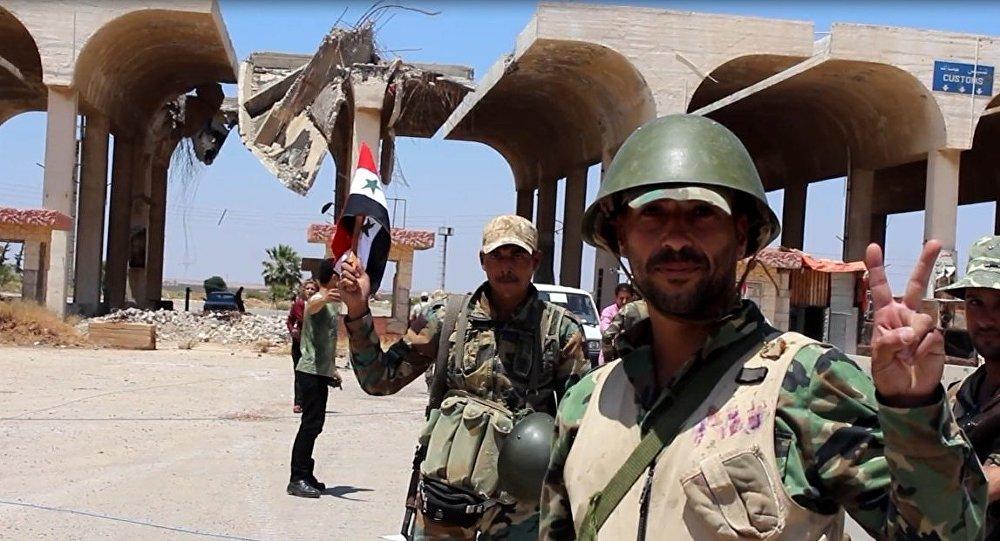 الجيش السوري على معبر نصيب الحدودي ويرفع العلم هناك