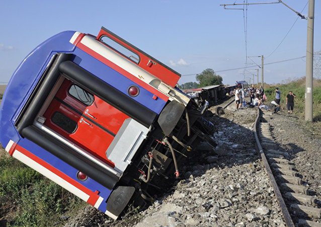 حادثة خروج قطار عن القضبان في تركيا