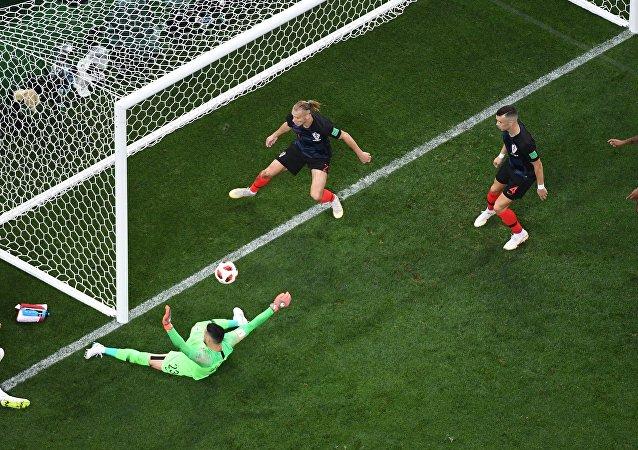 هاري كين مهاجم إنجلترا يضيع الهدف
