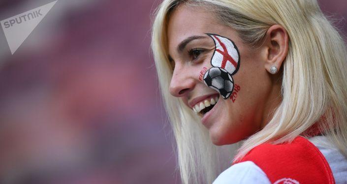 مشجعات المنتخب الإنجليزي في كأس العالم 2018