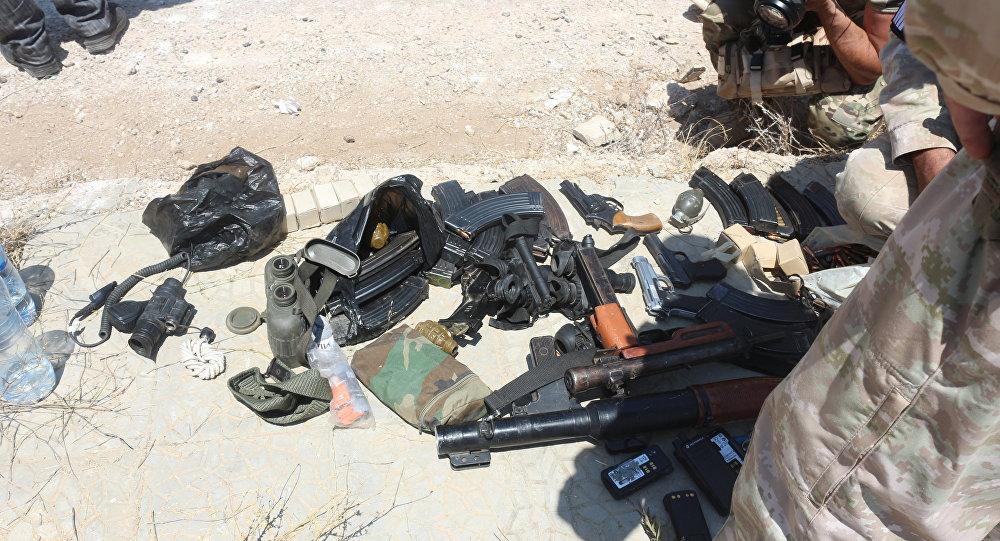 أسلحة المسلحين الذي يخرجون من درعا إلى الشمال السوري