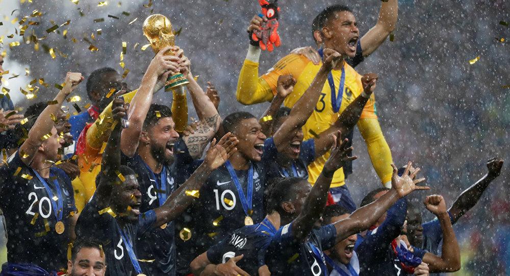 فرنسا بطل العالم