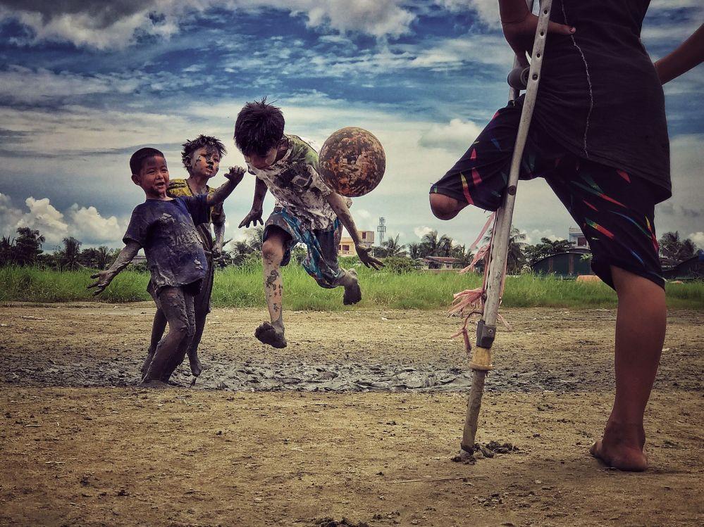 صورة بعنوان I want to play، للمصور زارني ميو وين، الحائزة على المركز الثالث في فئة مصور العام