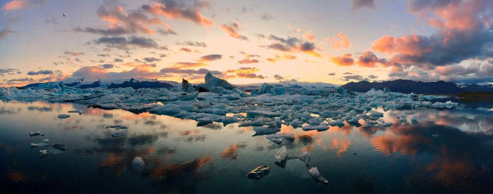 صورة بعنوان Icebergs، للمصور ماتيوز بيسياك، الحائزة على المركز الأول في فئة بانوراما