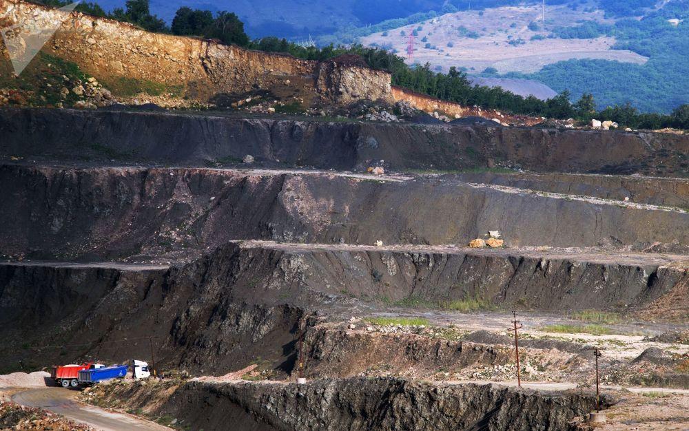استخراج الحجر الجيري في سيفاستوبل، القرم