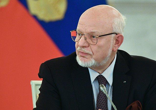 ميخائيل فيدوتوف رئيس المجلس الرئاسي الروسي لحقوق الإنسان