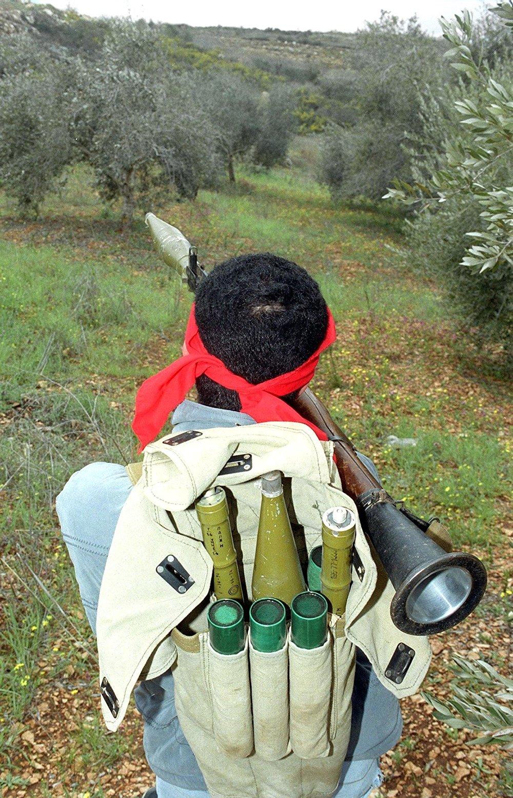 مقاتل من الحزب الشيوعي اللبناني