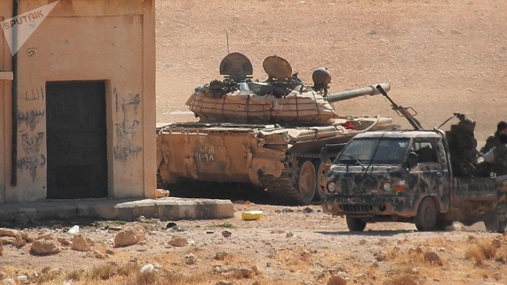 الجيش السوري يحشد لعملية وشيكة لاجتثاث عشرات آلاف المسلحين الأجانب على جبهات إدلب