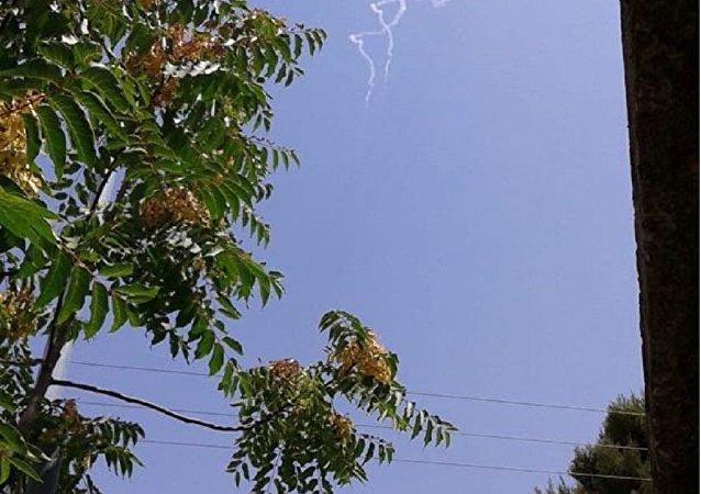صواريخ إسرائيلية تستهدف طائرة حربية سورية