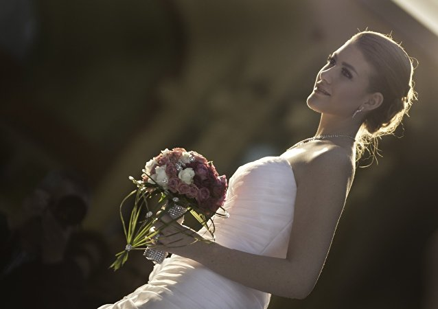 أسوء ما قد تتعرض له عروس في حفل زفافها على الهواء مباشرة