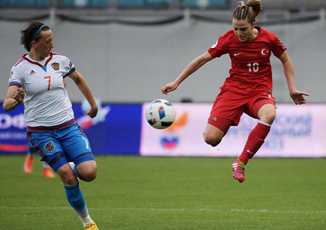 مباراة كرة القدم التأهل لبطولة أوروبا لعام 2017، روسيا ضد تركيا