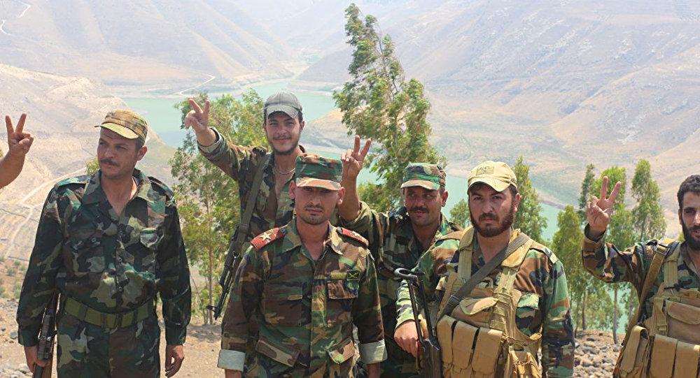 انتشار عناصر الجيش في المخافر الحدودية على طول وادي اليرموك الفاصل بين سوريا والأردن جنوب بلدة القصير