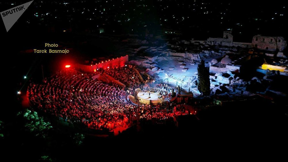 مشهد جوي هام للحفل .. ومسرح قلعة حلب