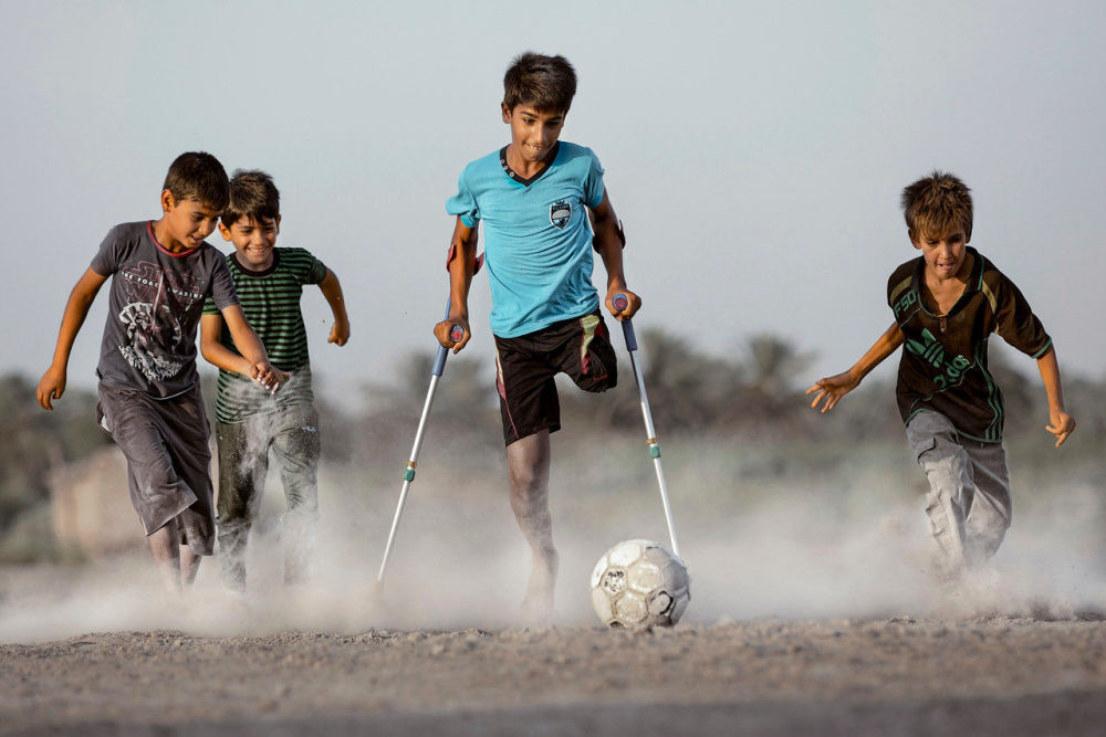 صورة بعنوان الرغبة في الحياة، للمصور العراقي تيسير مهدي، الحاصلة على المركز الأول في فئة التصوير الرياضة. صور منفردة