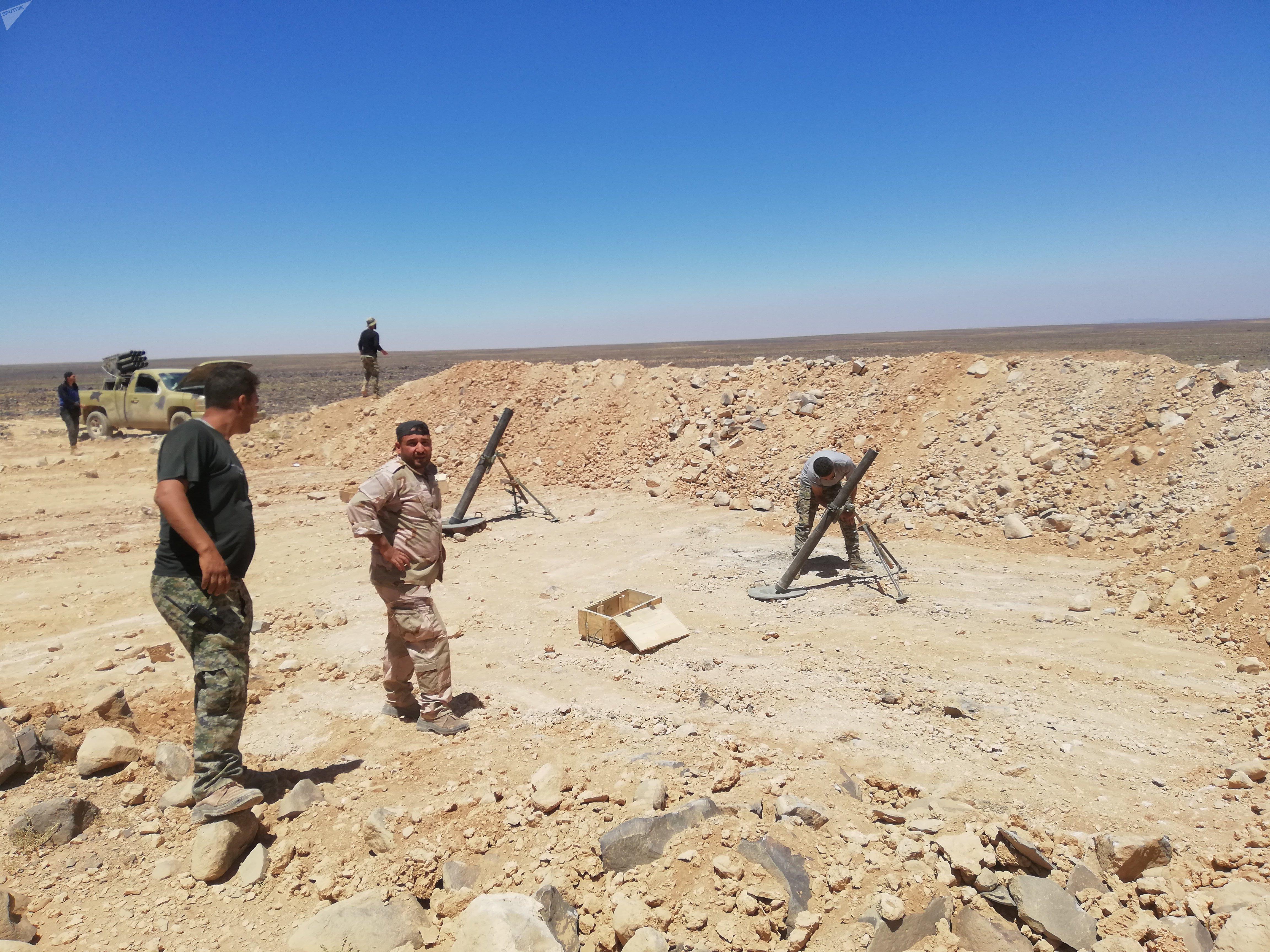 الجيش السوري يحاصر داعش في بادية السويداء
