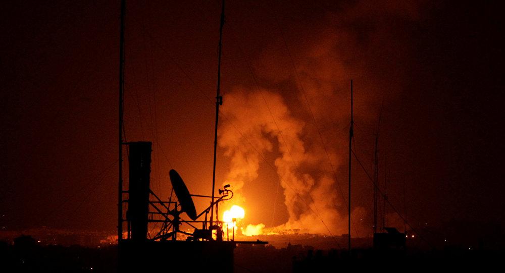 قصف الطيران الإسرائيلي على مواقع في غزة، قطاع غزة، فلسطين 9 أغسطس/ آب 2018