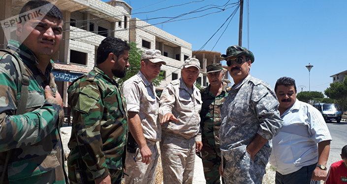 قوات حفظ السلام (أوندوف) تجول (بسلام) ضمن المنطقة العازلة بالجولان تحت حماية الشرطة الروسية والجيش السوري