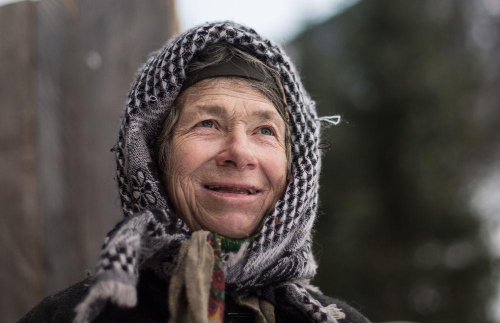 صورة بعنوان ناسكة الغابة، للمصور إليا بيتاليوف، الحاصلة على المركز الأول في فئة جميع ألوان العالم، في مسابقة التصوير لشركة Nikon