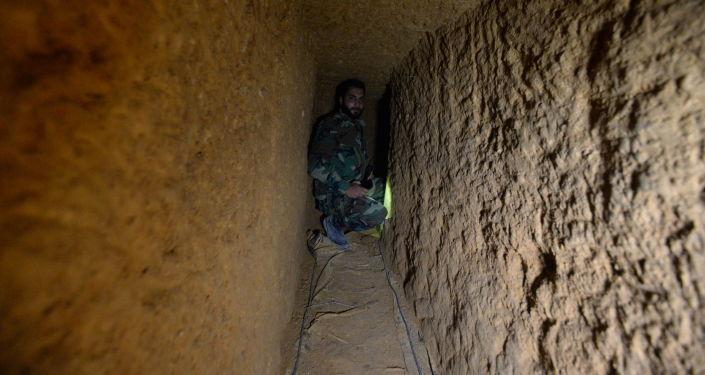 أنفاق المسلحين في ريف دمشق