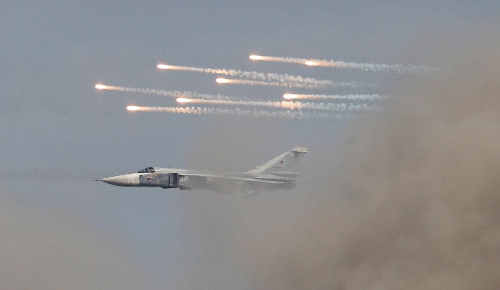 سو-24 في مسابقة أفيادارتس في إطار مسابقة الألعاب العسكرية الدولية أرمي -2018  (الجيش - 2018) في حقل بيسوتشنوي في منطقة ريازان الروسية