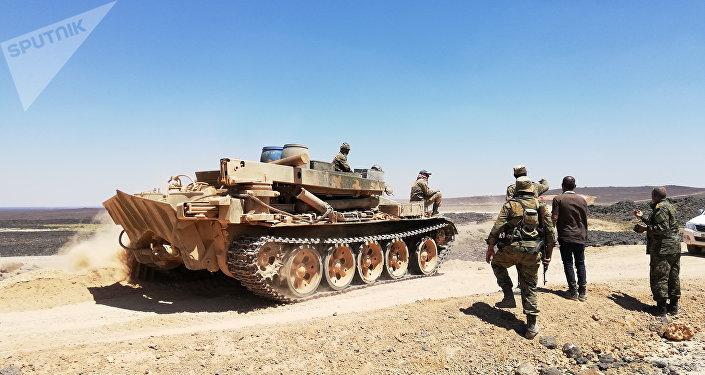 الجيش السوري يخنق داعش ببادية السويداء ويقتل 10 لدى محاولة التنظيم كسر الحصار