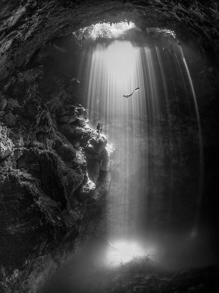 صورة للمصورة كارين سميث، الذي فاز بالمركز الثالث في فئة الزاوية العريضة لمجلة الصور تحت الماء لعام 2018