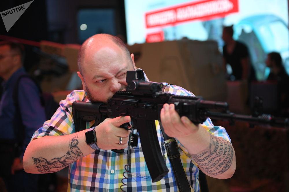بندقية جديدة من طراز ا ك —201 وسيتم عرض نموذجها التجريبي في منتدى أرميا 2018