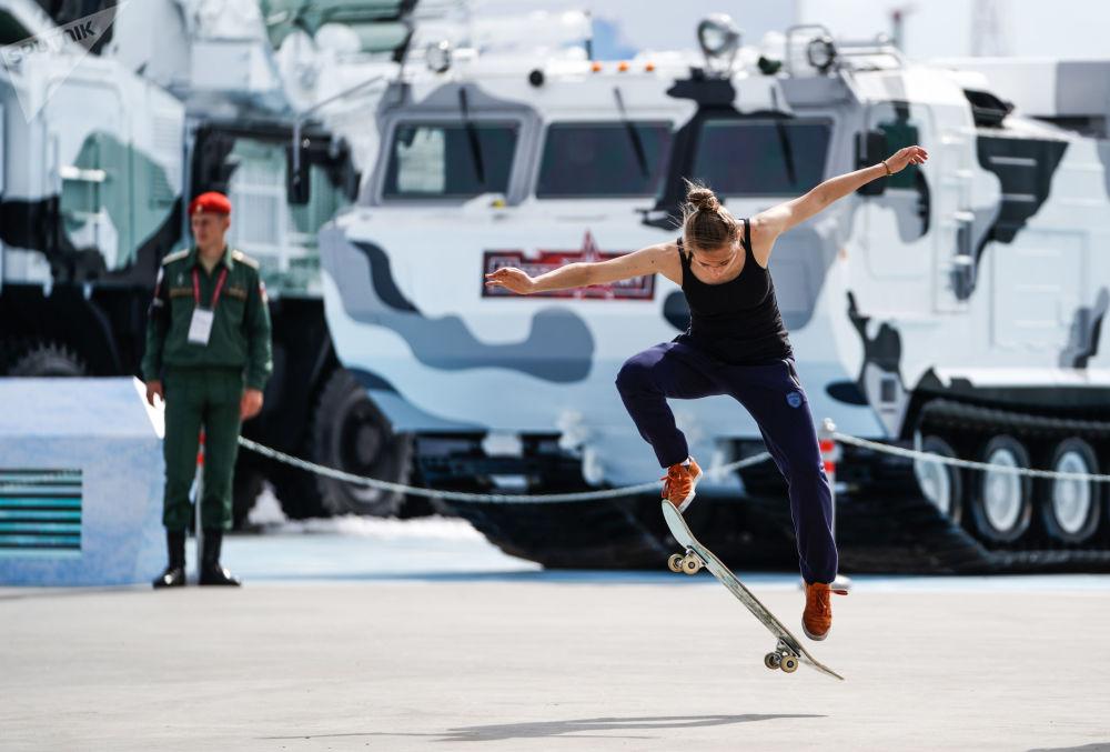 زائرة في المنتدى التقني العسكري الدولي أرميا - 2018 (الجيش - 2018 في فلاديفوستوك