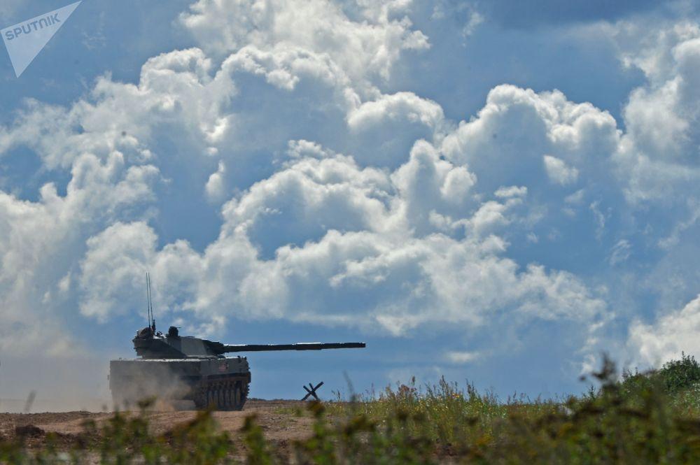 دبابة خفيفة برمائية من طراز سبروت –إس دي في معرض المنتدى التقني العسكري الدولي أرميا - 2018 (الجيش - 2018 في كوبينكا