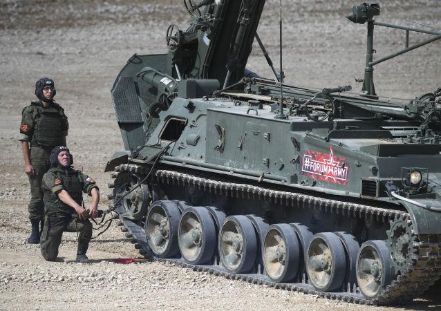 مدفع ذاتي الحركة جديد من فئة مالكا في المنتدى التقني العسكري الدولي أرميا - 2018 (الجيش - 2018 في كوبينكا