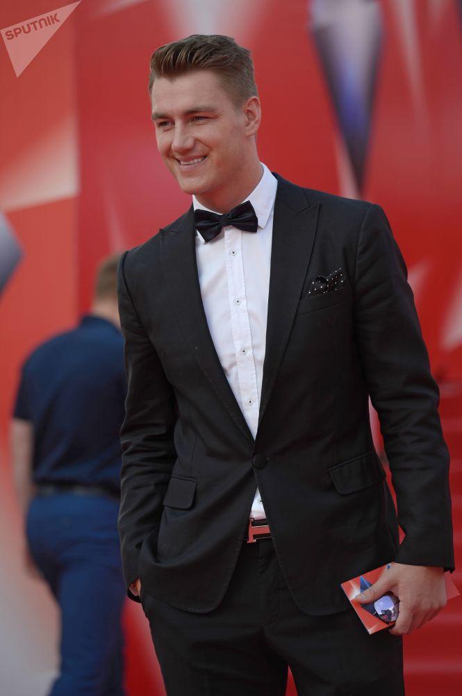 الممثل والمغني الروسي أليكسي فوروبيوف