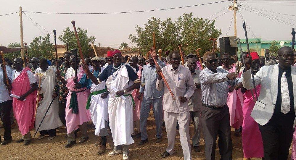 أبناء قبيلة الشلك يحتفلون بنهاية الحرب