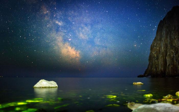 سماء الليل في خليج ساغان-زابا في بايكال