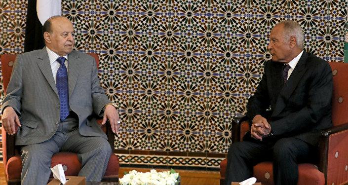 الرئيس اليمني عبد ربه منصور هادي والأمين العام لجامعة الدول العربية أحمد أبو الغيط