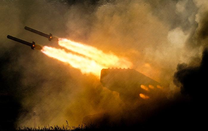 مناورات-الجيش-الجزائري-لفحة-الشمس-تقضي-على-نقطة-ارتكاز-العدو-(فيديو)