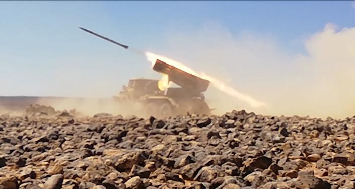 راجمات الجيش السوري تدك آخر جيوب داعش في بادية السويداء