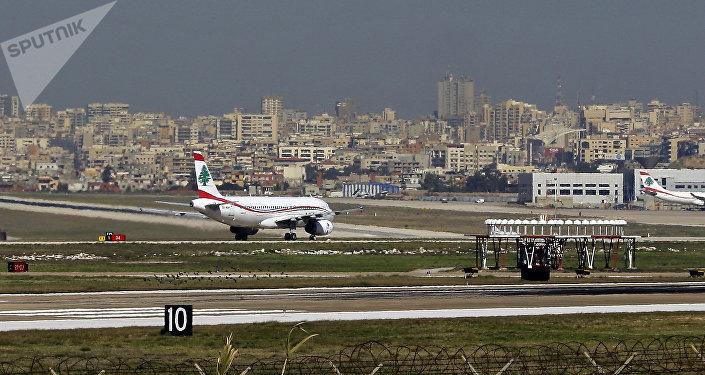 مطار بيروت الدولي على أطراف المدينة