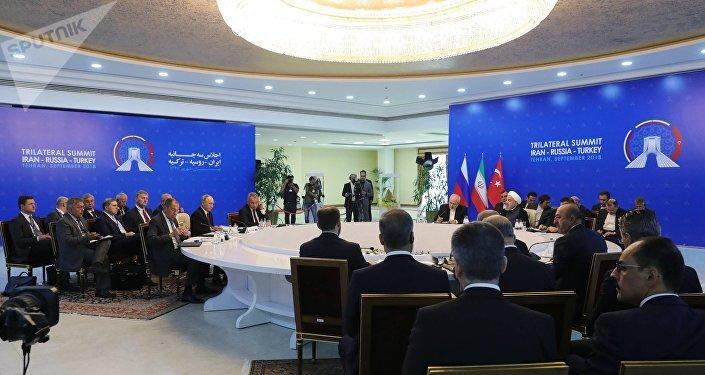 القمة الثلاثية في طهران بين روسيا وتركيا وإيران