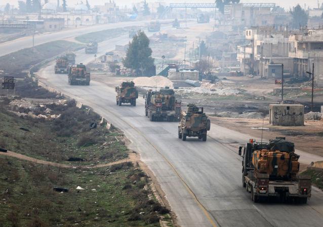 عسكريون أتراك يدخلون محافظة ادلب السورية (صورة ارشيفية)