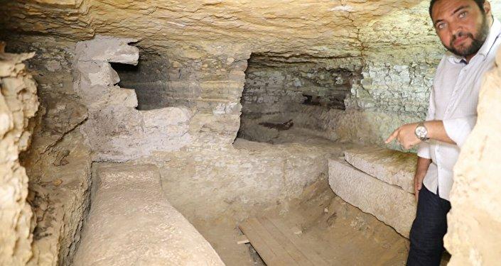 قطع أثرية جديدة جنوب القاهرة