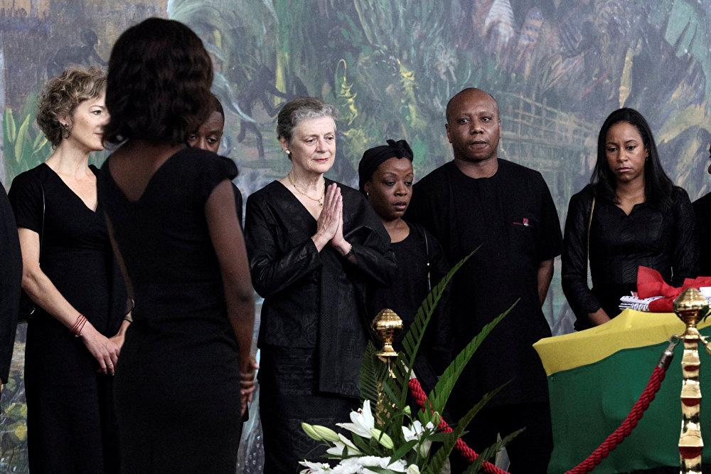 كبار الشخصيات يقدمون احترامهم للأمين العام السابق للأمم المتحدة، كوفي عنان، قبل جنازته الرسمية في أكرا