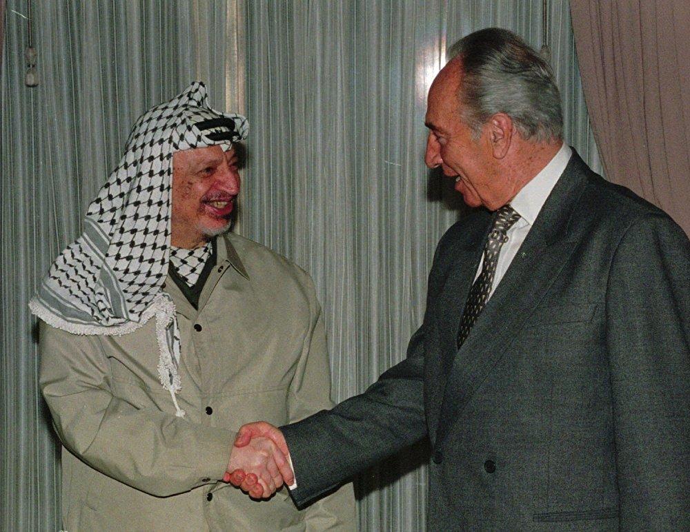 ياسر عرفات وشيمون بيريز