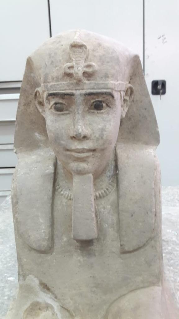 تمثال أبو الهول في أسوان