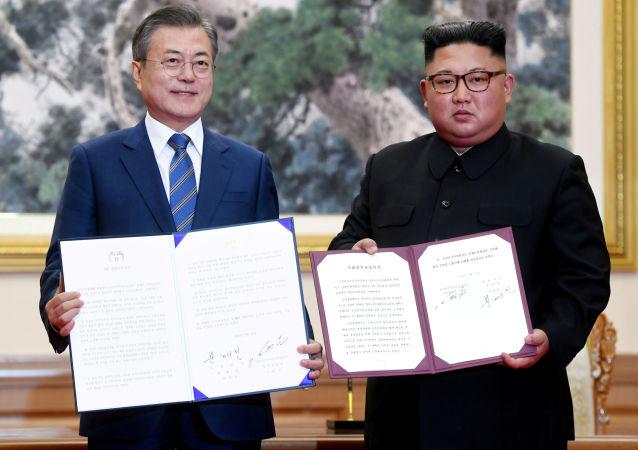 زيارة رئيس كوريا الجنوبية إلى كوريا الشمالية ولقاء زعيمها كيم جونغ أون في بيونغ يانغ، 19 سبتمبر/ أيلول 2018