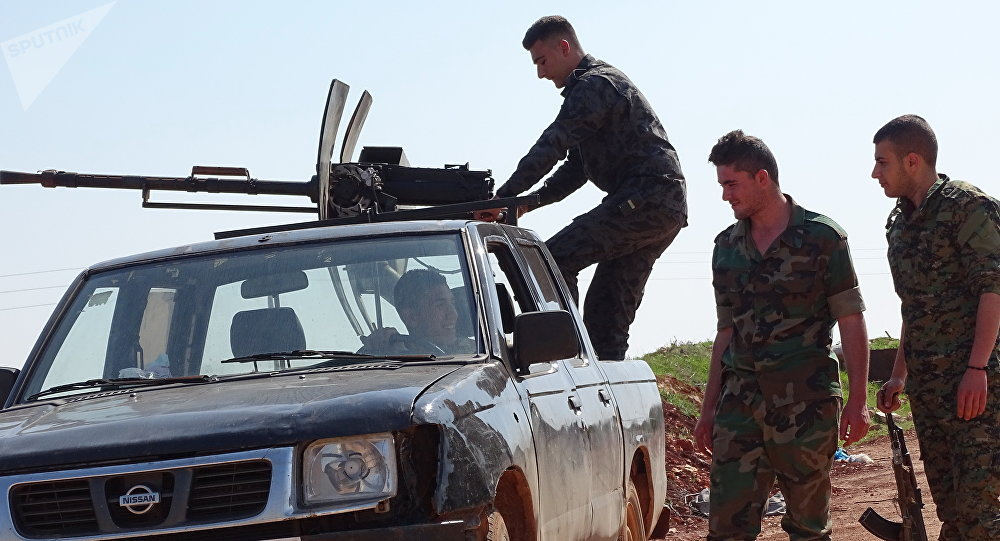 المسلحون يعززون مواقعهم وينقلون أسلحة وعتادا حربيا إلى المنطقة (منزوعة السلاح) بإدلب